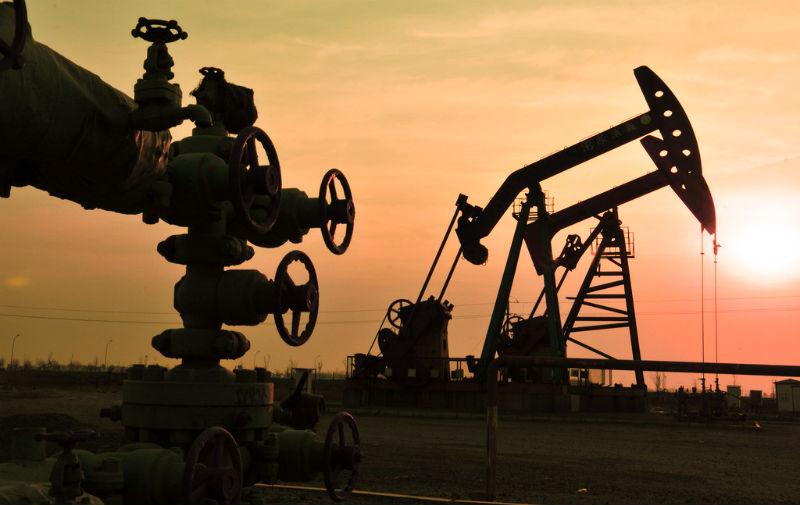 Компания «Газпромнефть-Ямал» (дочерняя компания «Газпром нефти») подала заявку на участие в аукционе на Южно-Каменномысский нефтегазовый участок в Ямало-Ненецком автономном округе (ЯНАО) с ресурсами 9,6 млн тонн нефти, 2,3 млн тонн газового конденсата и 72,4 млрд кубометров газа по категории Д1, сообщили RNS в Минприроды.